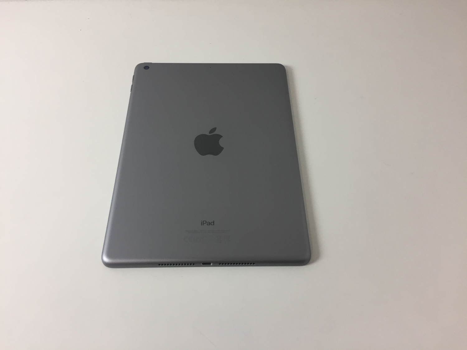 iPad 5 Wi-Fi 128GB, 128GB, Gray, Kuva 2