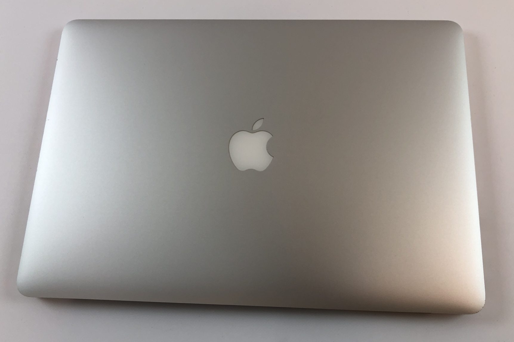 "MacBook Pro Retina 15"" Mid 2015 (Intel Quad-Core i7 2.8 GHz 16 GB RAM 512 GB SSD), Intel Quad-Core i7 2.8 GHz, 16 GB RAM, 512 GB SSD, Afbeelding 2"
