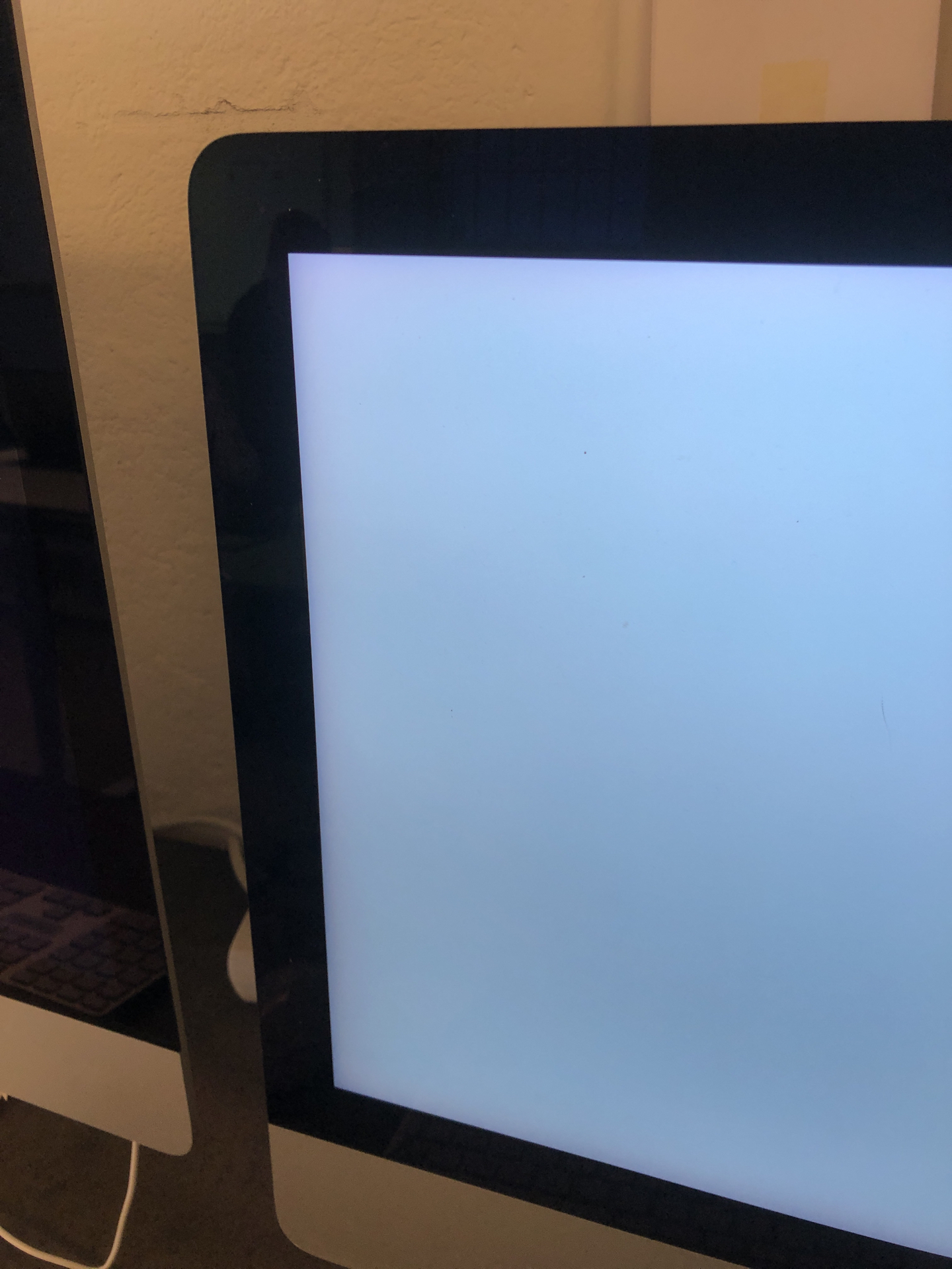 "iMac 21.5"" Retina 4K Late 2015 (Intel Quad-Core i7 3.3 GHz 8 GB RAM 1 TB HDD), Intel Quad-Core i7 3.3 GHz, 8 GB RAM, 1 TB HDD, Afbeelding 3"