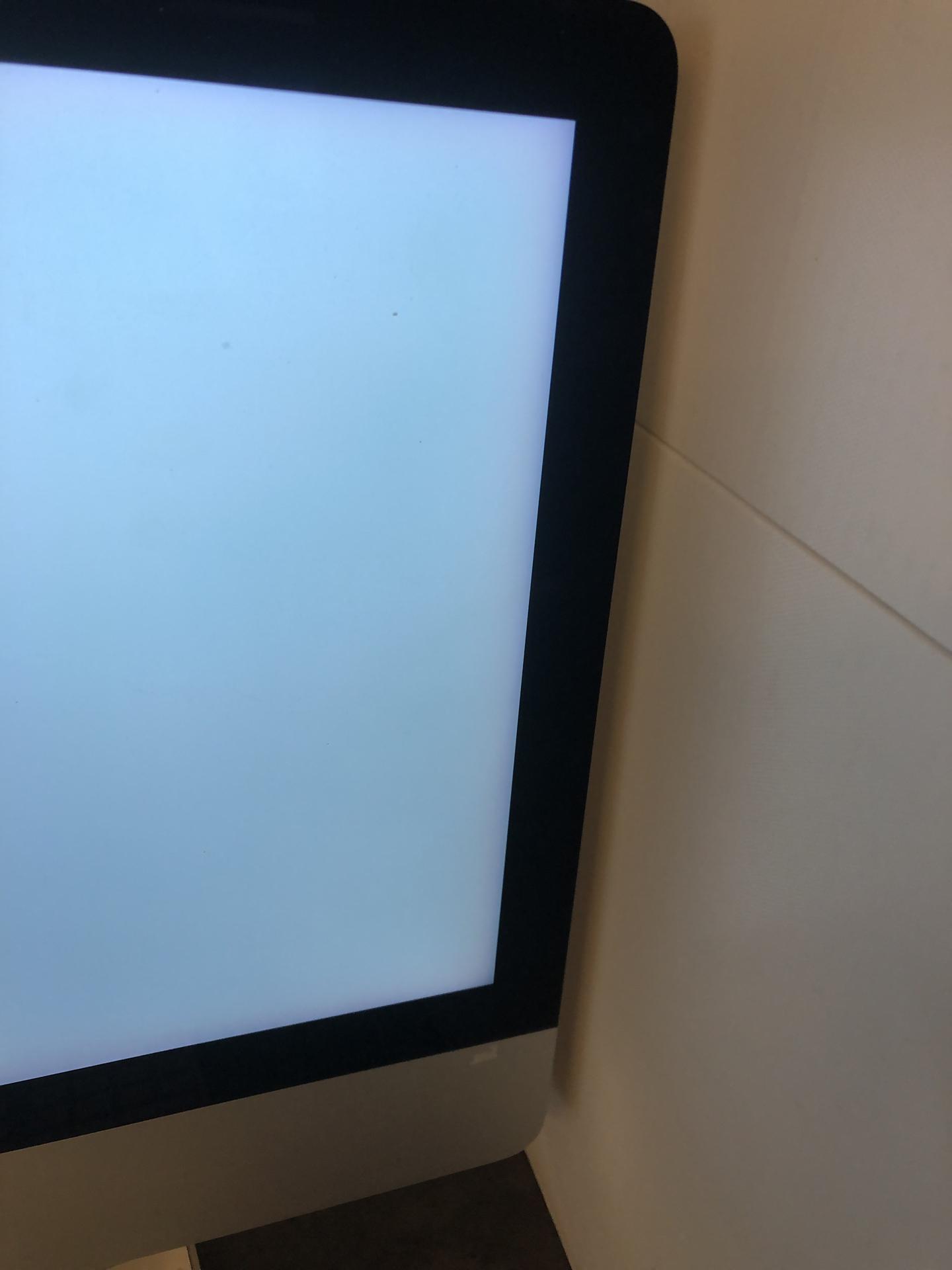 "iMac 21.5"" Retina 4K Late 2015 (Intel Quad-Core i7 3.3 GHz 8 GB RAM 1 TB HDD), Intel Quad-Core i7 3.3 GHz, 8 GB RAM, 1 TB HDD, Afbeelding 4"