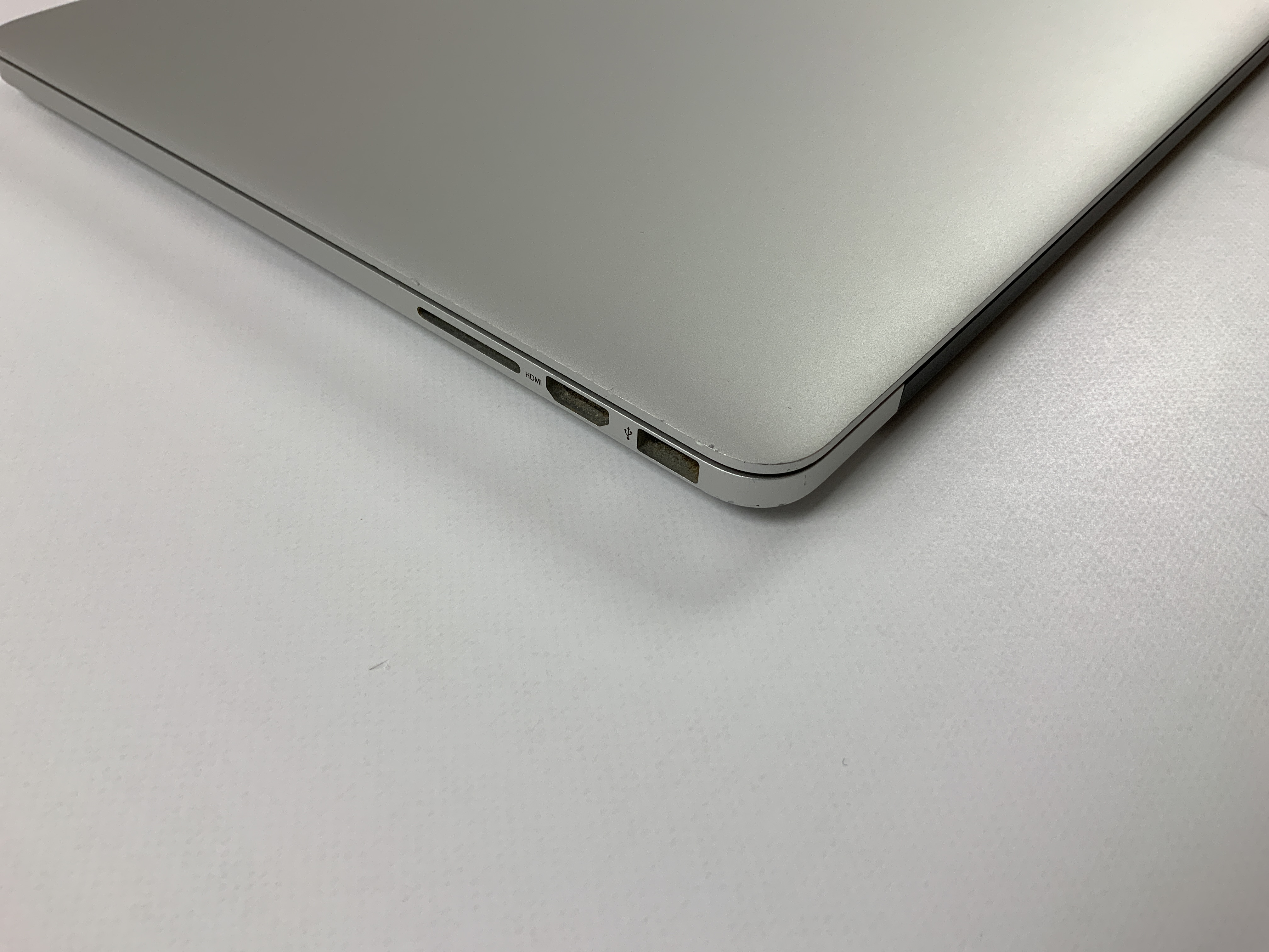 "MacBook Pro Retina 15"" Mid 2015 (Intel Quad-Core i7 2.2 GHz 16 GB RAM 256 GB SSD), Intel Quad-Core i7 2.2 GHz, 16 GB RAM, 256 GB SSD, bild 4"